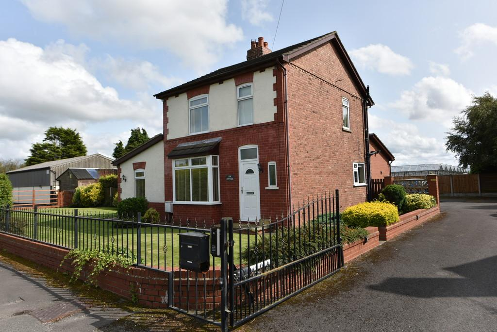 3 Bedrooms Detached House for sale in Boundary Meanygate, Hesketh Bank
