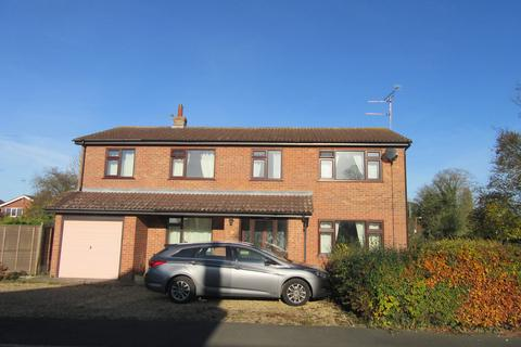 6 bedroom detached house to rent - Burnstone Gardens, Moulton,