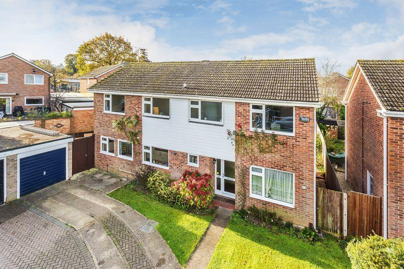 5 Bedrooms Detached House for sale in Boxgrove