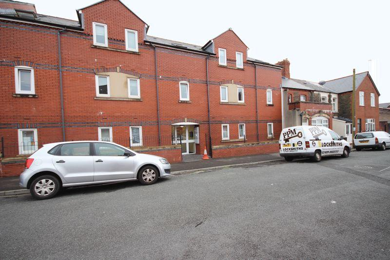 4 Bedrooms Apartment Flat for sale in Gwennyth Street, Roath
