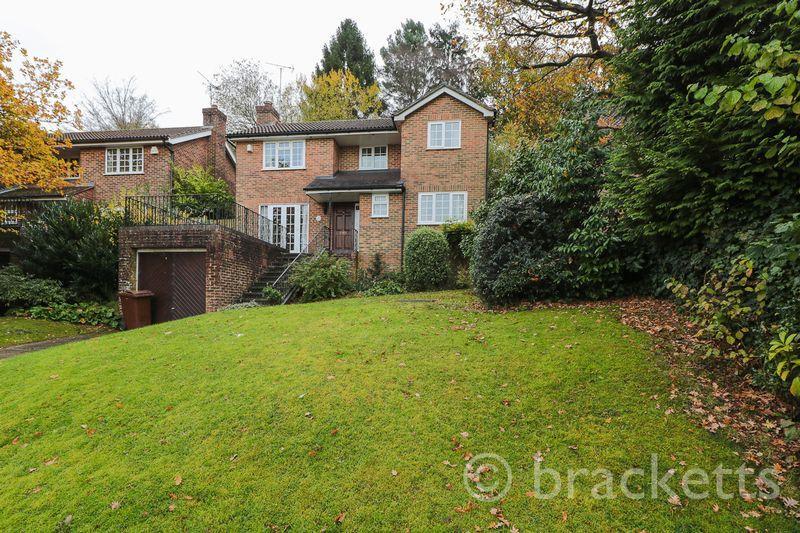 4 Bedrooms Detached House for sale in Broadmead, Tunbridge Wells