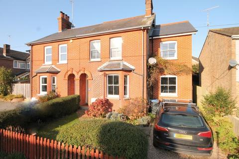 4 bedroom semi-detached house for sale - Sunte Avenue, Lindfield, West Sussex