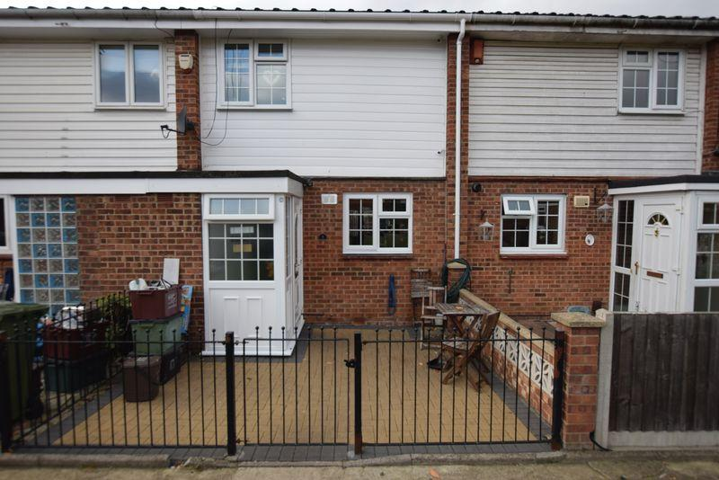3 Bedrooms Terraced House for sale in Kinder Close, Thamesmead, SE28 8HG