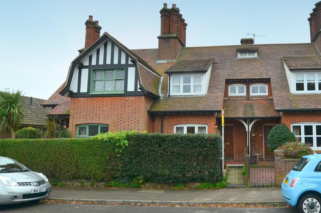 2 Bedrooms Terraced House for sale in Brook Lane, Felixstowe, IP11 7JP
