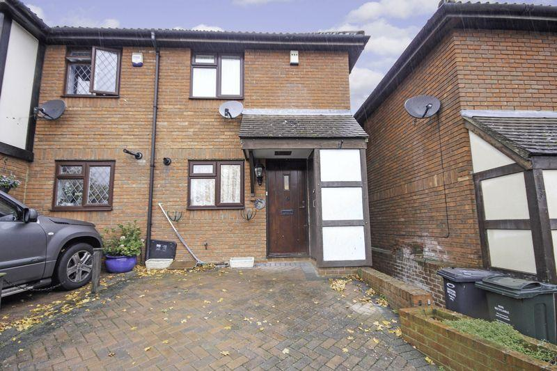 2 Bedrooms Terraced House for sale in Turner Road, Bean