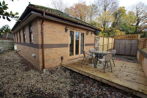 2 bedroom detached bungalow to rent - Ty Mawr Road, Whitchurch