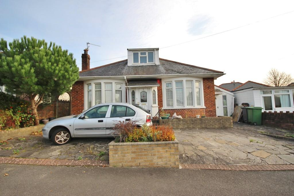 2 Bedrooms Detached Bungalow for sale in Yorath Road, Whitchurch, Cardiff
