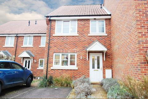 3 bedroom terraced house for sale - Arnold Pitcher Close, North Walsham