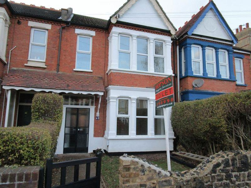 3 Bedrooms Terraced House for rent in Bellevue Road, Southend-On-Sea