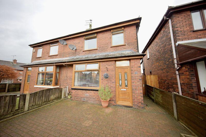 3 Bedrooms Semi Detached House for sale in Broadfield Street, Heywood