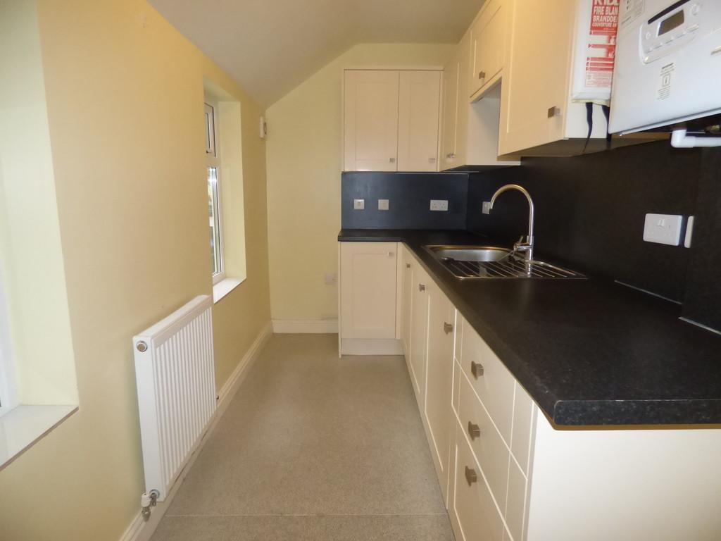 2 Bedrooms Ground Flat for rent in Hermosa Road, Teignmouth