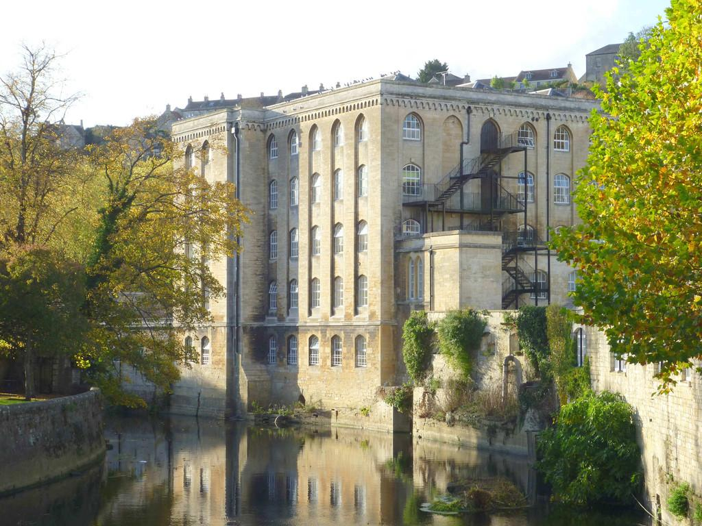 1 Bedroom Ground Flat for sale in Abbey Mill, Bradford on Avon