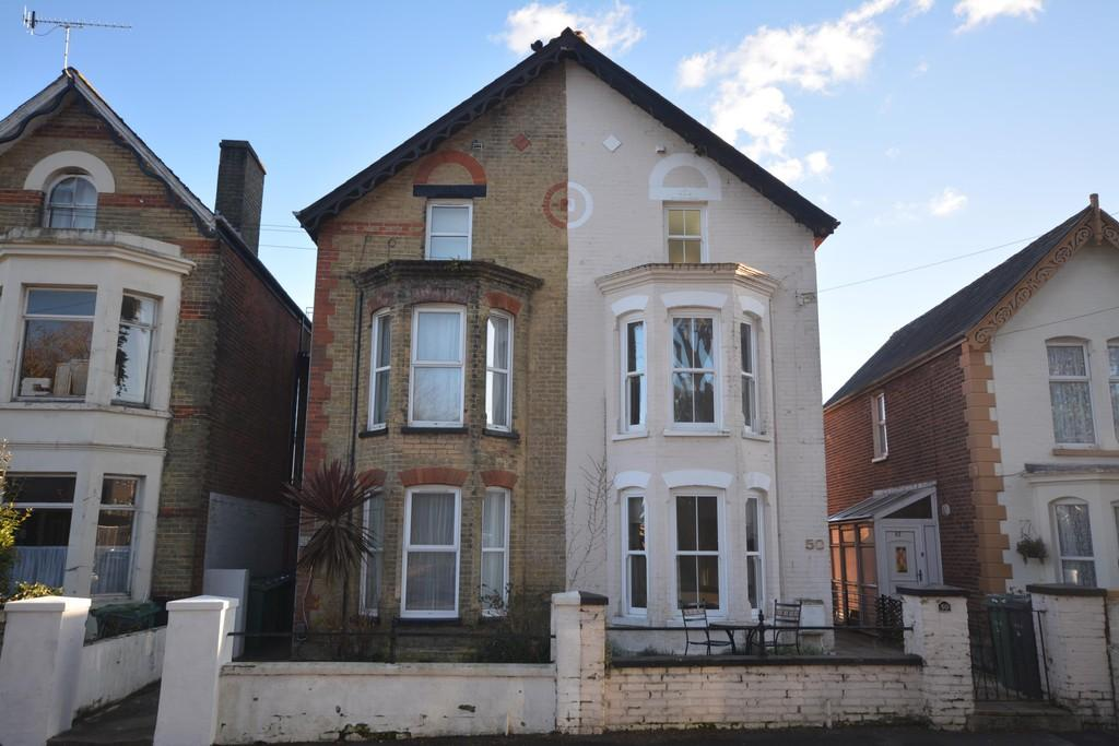 1 Bedroom Flat for sale in Granville Road, Cowes