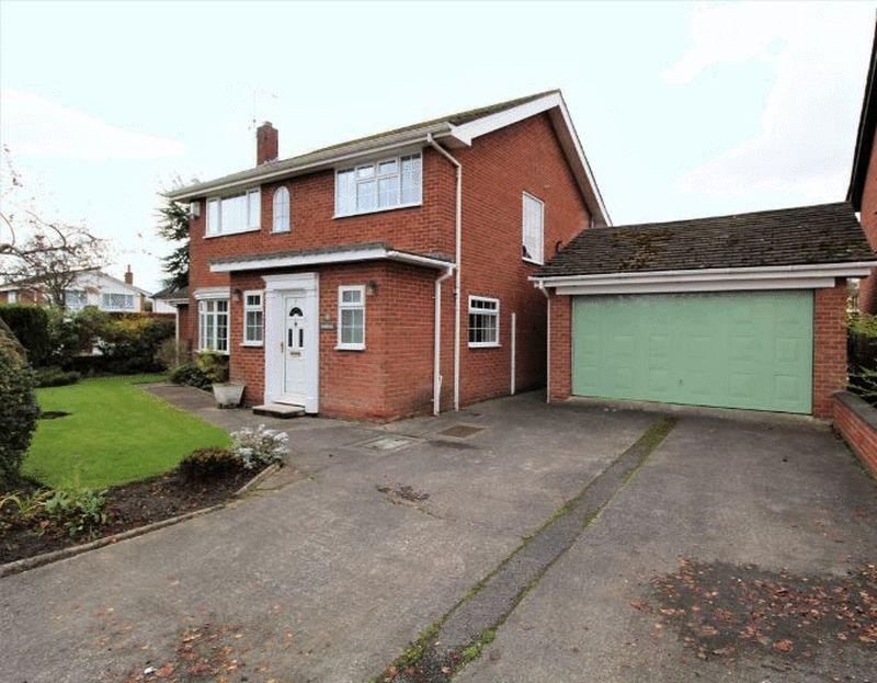 4 Bedrooms Detached House for sale in Pond View Close, Heswall