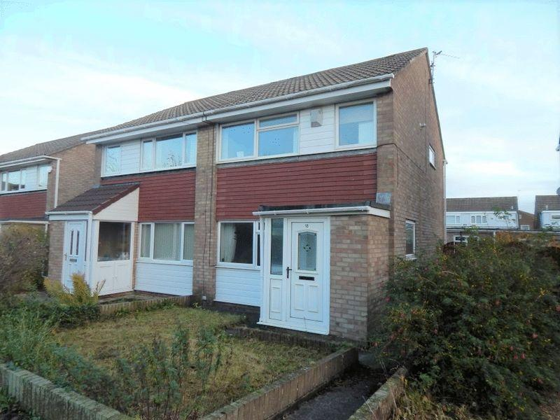 3 Bedrooms Semi Detached House for sale in Amberley Way, South Beach, Blyth