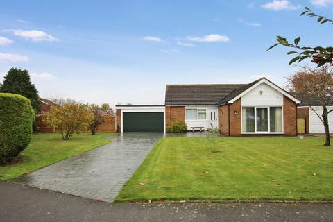 2 bedroom bungalow for sale - 38 Highfields, Nettleham