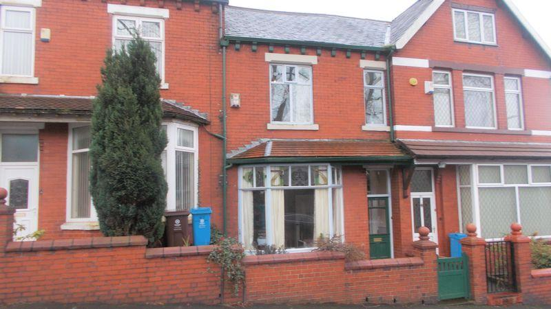 3 Bedrooms Terraced House for sale in College Road, Oldham