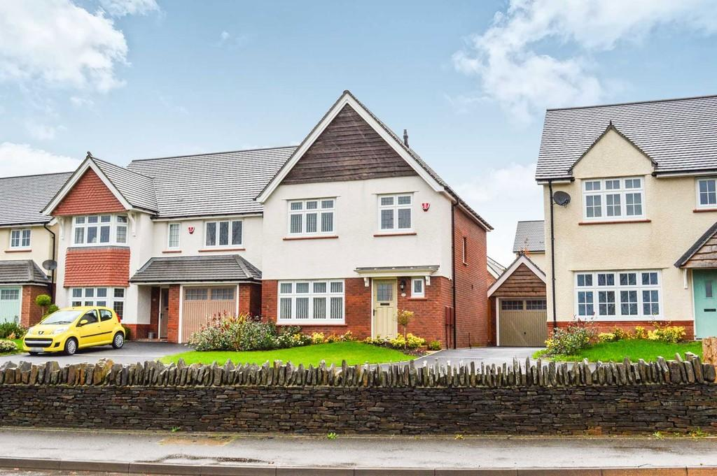 3 Bedrooms Detached House for sale in Manor View, Trelewis