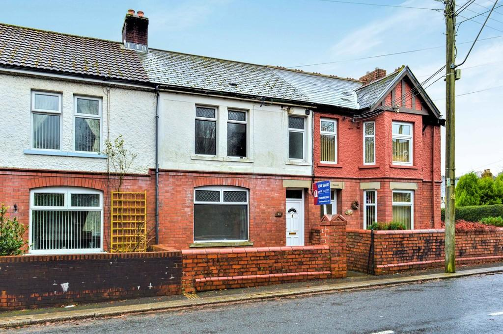 3 Bedrooms Terraced House for sale in Bloomfield Road, Blackwood