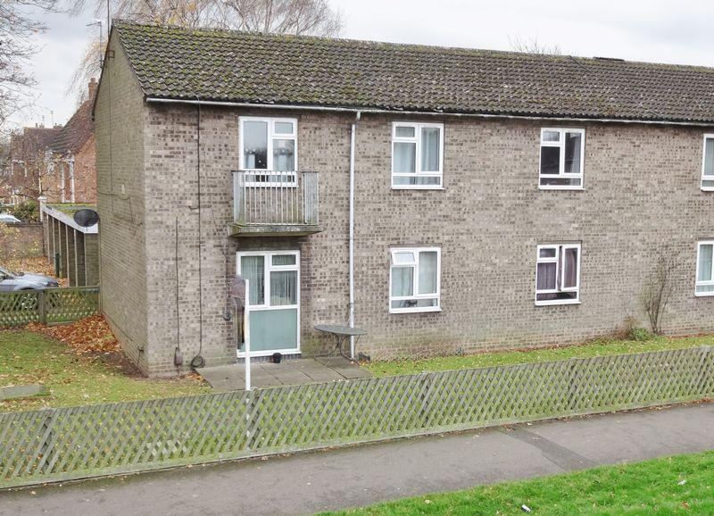2 Bedrooms Apartment Flat for sale in West Glebe Road, Corby