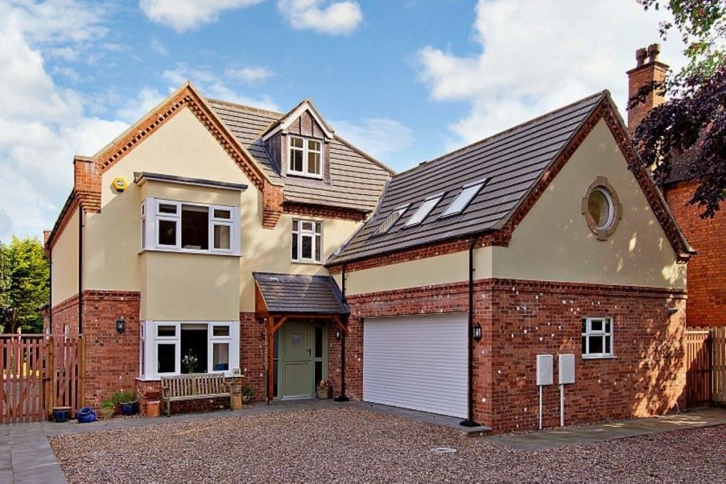 5 Bedrooms Detached House for sale in Nettleham Road, Lincoln