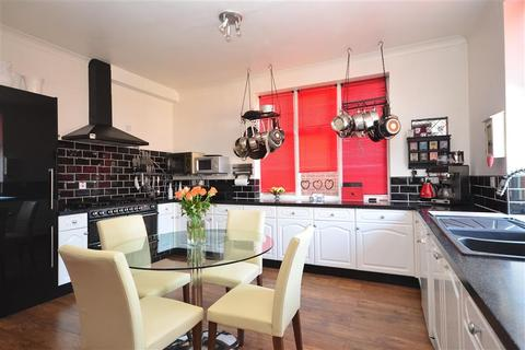 Guest house for sale - Castle Road, Newport, Isle of Wight