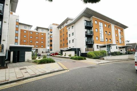 1 bedroom flat to rent - Fishguard Way, Royal Docks