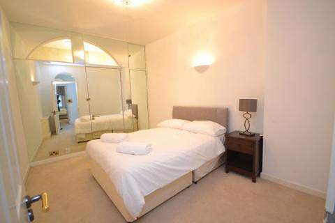 Flat share to rent - 5 Strathmore Court Strathmore Court, 143 Park Road, London, NW8