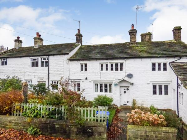 3 Bedrooms Cottage House for sale in 12 West Lane, Sutton in Craven BD20 7NU