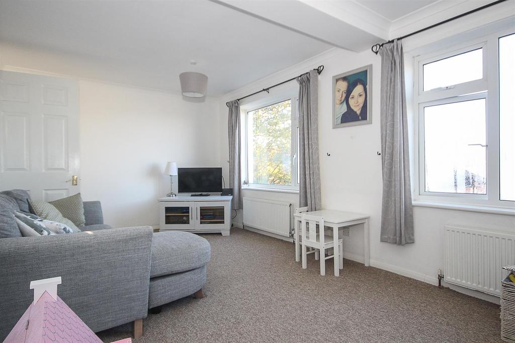 2 Bedrooms Apartment Flat for sale in Warley Mount, Warley, Brentwood
