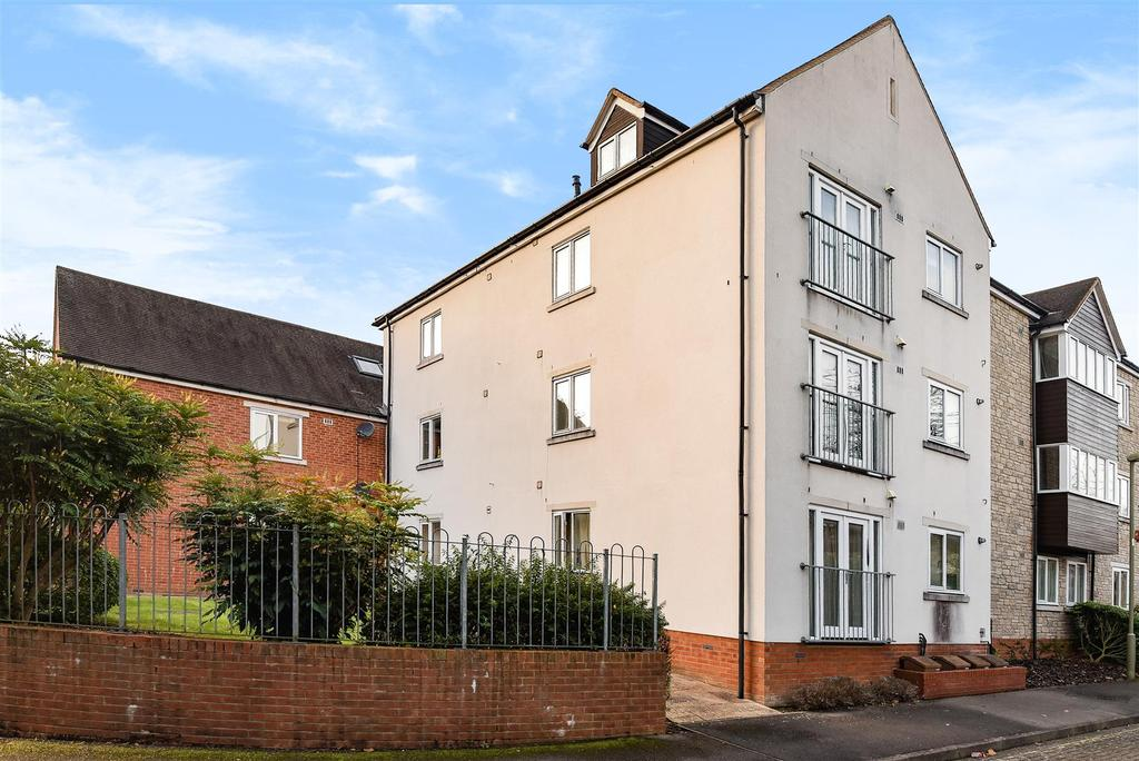 2 Bedrooms Apartment Flat for sale in Linacre Court, Spring Lane, Headington