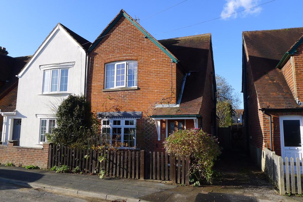 3 Bedrooms Semi Detached House for sale in HOLLY GROVE, FAREHAM