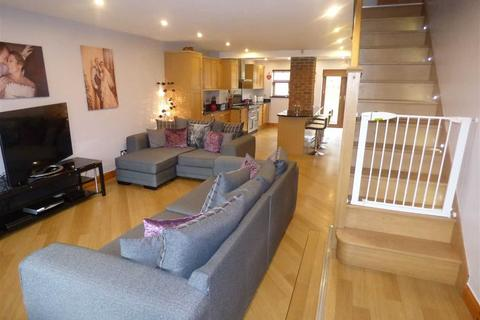 4 bedroom detached house for sale - Glenmore Drive, Coventry