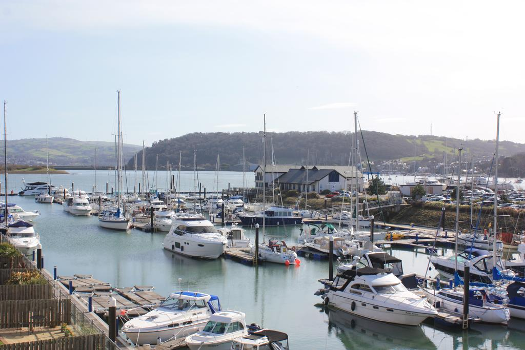 2 Bedrooms Apartment Flat for sale in Deganwy Quay, Deganwy LL31