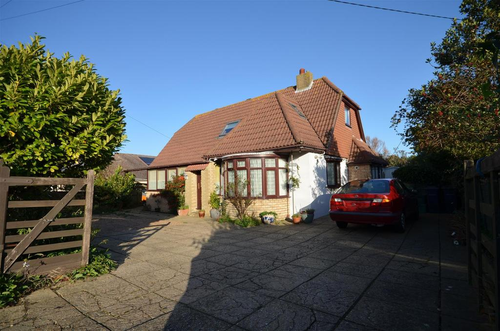 5 Bedrooms Detached House for sale in Shepherds Way Fairlight, Hastings