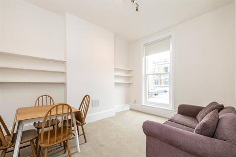 2 bedroom terraced house to rent - Lavender Hill, London, SW11