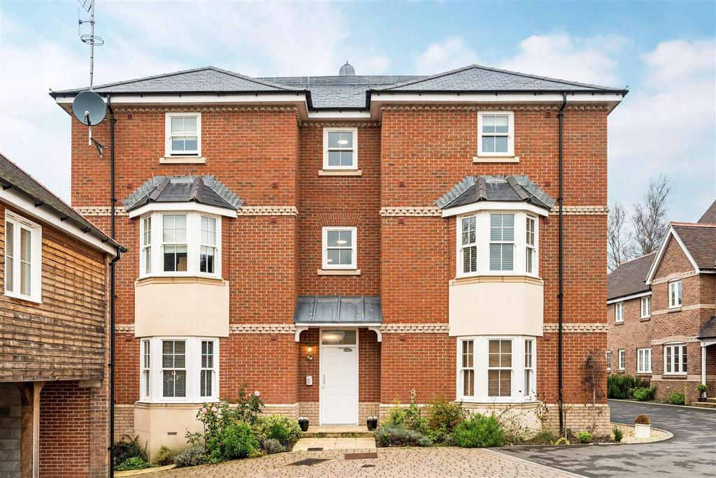 1 Bedroom Flat for sale in Whatley Drive, Pewsey