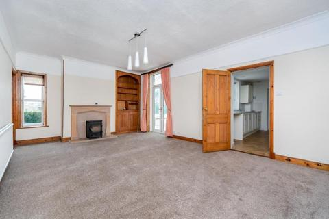 4 bedroom semi-detached house to rent - Westgate, Wetherby, LS22