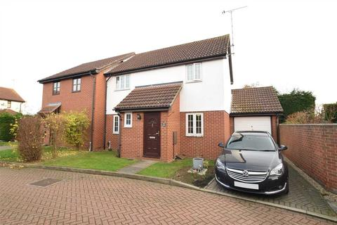 3 bedroom semi-detached house for sale - Ashton Place, Chelmsford