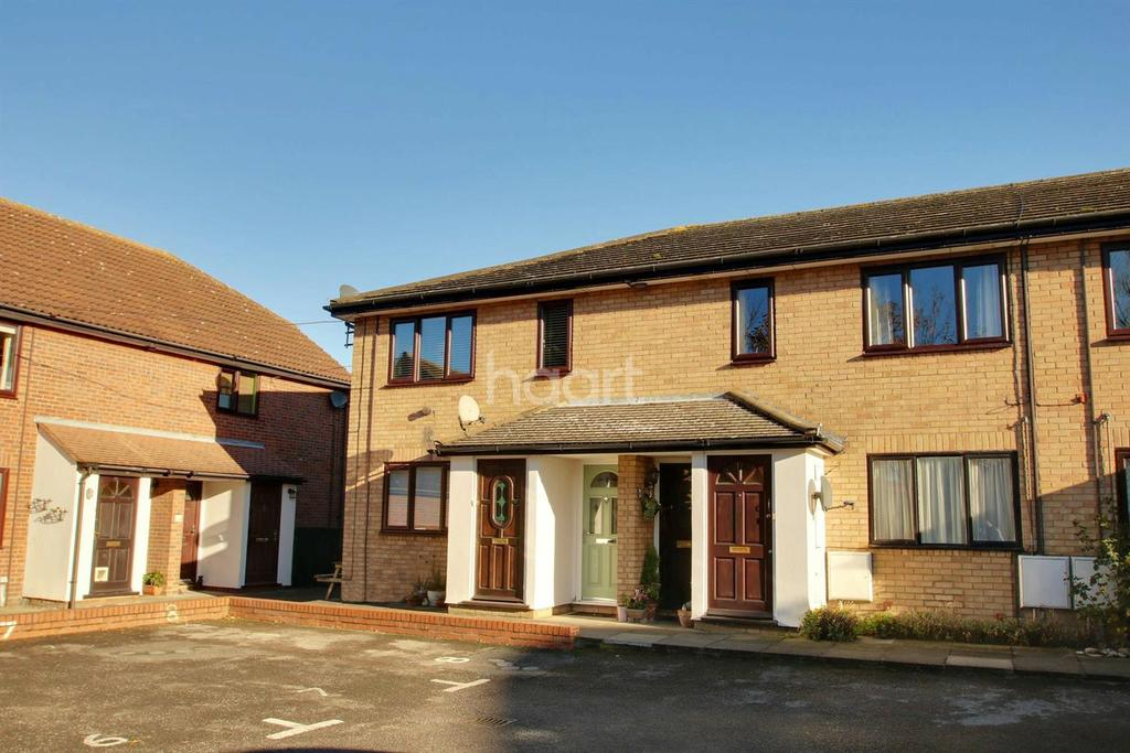 1 Bedroom Maisonette Flat for sale in Place Farm Court, Rowhedge Road.