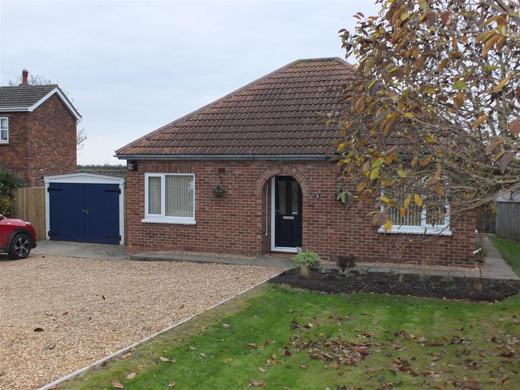 2 Bedrooms Detached Bungalow for sale in Little London, Long Sutton