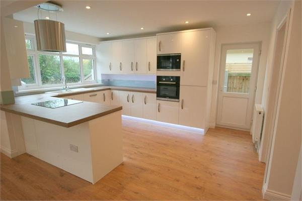 3 Bedrooms Detached House for sale in Malting Lane, Kirby le Soken