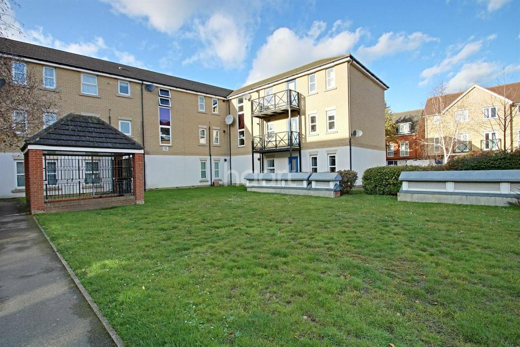2 Bedrooms Flat for sale in Sudbury Court, Chadwell Heath