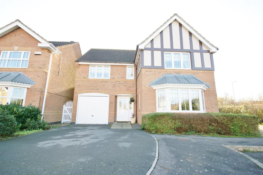 4 Bedrooms House for sale in Brudenell Close, Cawston, Rugby