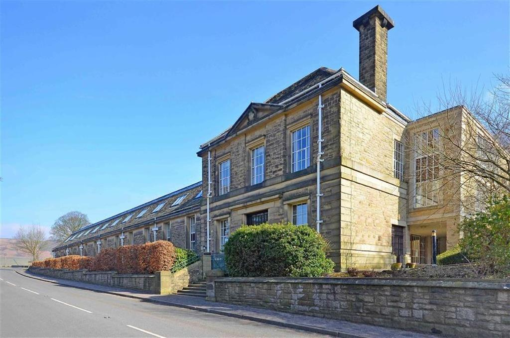 2 Bedrooms Flat for sale in Apt 17 Ladybower Lodge, Ashopton Road, Ashopton Road, Bamford, Hope Valley, Derbyshire, S33
