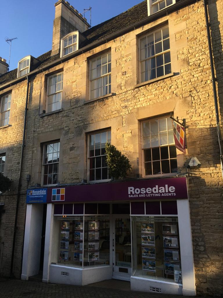 5 Bedrooms Flat for rent in At Ironmonger Street, Stamford, PE9