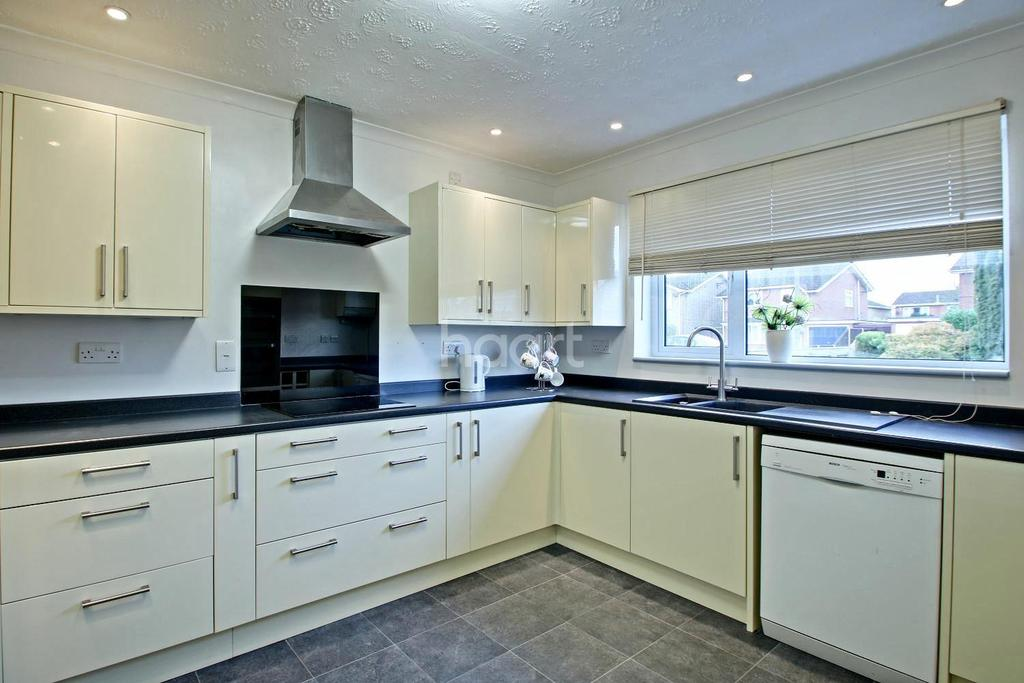 3 Bedrooms Bungalow for sale in Stow Road, Wisbech