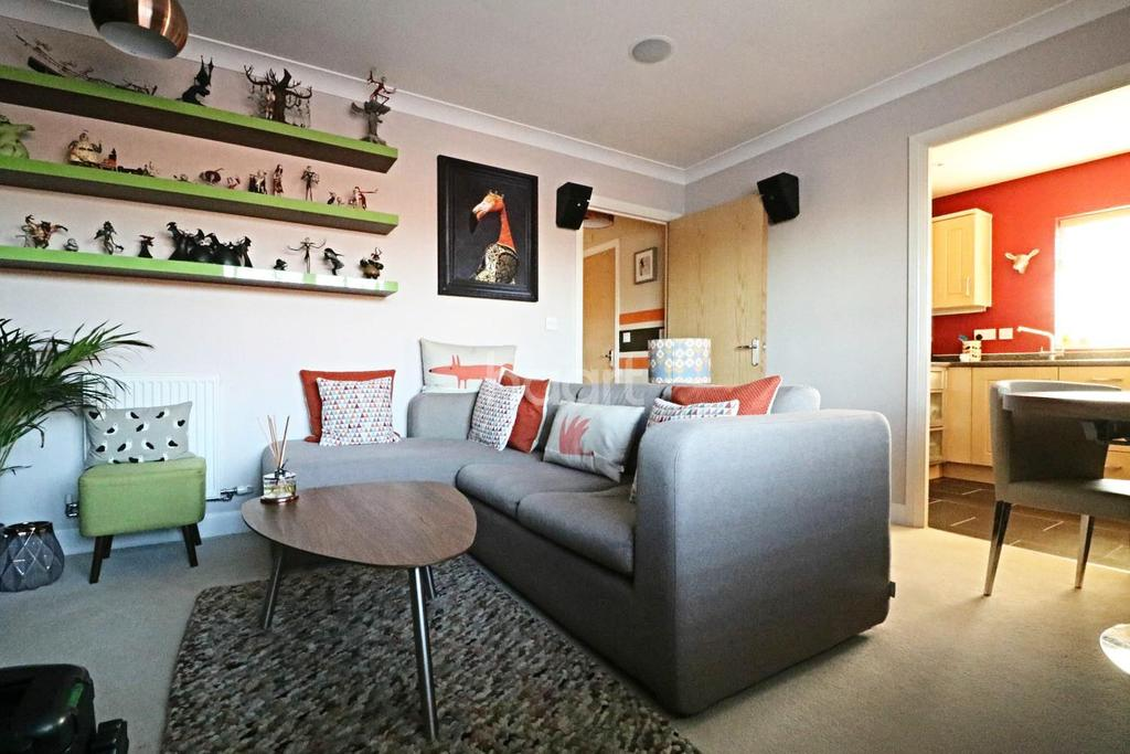 2 Bedrooms Flat for sale in Offord Close