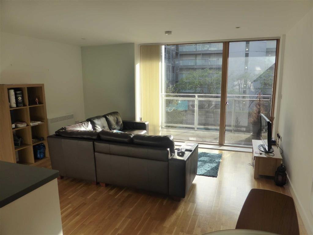 2 Bedrooms Flat for sale in The Base, Arundel Street, Manchester