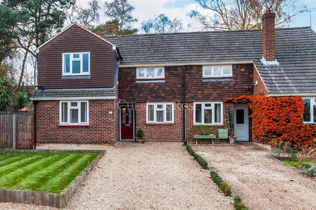 3 Bedrooms Semi Detached House for sale in King Edwards Road, Ascot